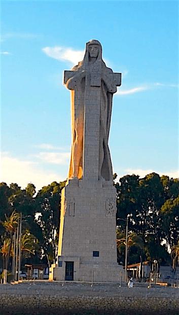 Monumento a Colon Punta del Sebo